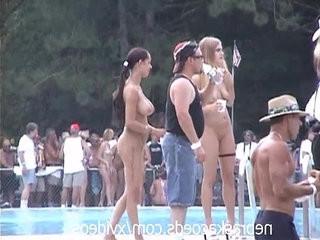 Random nudes a poppin festival video clip