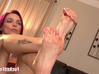 Red head anna bell peaks gives amazing footjob in fucked feet scene
