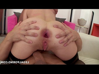 Sperm junkie lina love swallows cumshots after her first dap and extreme gaping